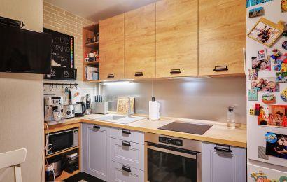 Кухня ХМ453 Верх Волна система цвет Дуб классик синкро гориз/ Низ Вона Эйвон цвет Деним