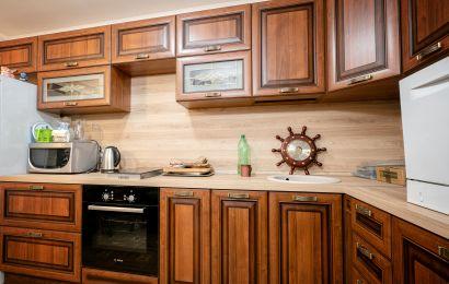 Кухня ХМ458 ЗОВ Профиль Турин-1 Орех Патина темная