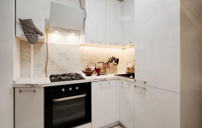 Кухня ПИ925 МДФ Акрил-5 Белый металлик глянец